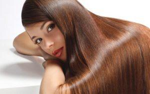 Avoir des cheveux longs : Astuce facile pour faire pousser sa chevelue